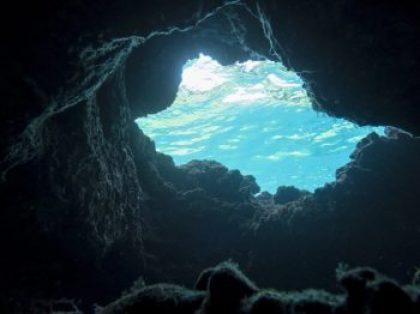 להחריב עולמי יצאתם? רבי שמעון בר יוחאי ובנו יוצאים מהמערה
