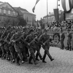 14 הסימנים של אומברטו אקו לזיהוי מדינה פשיסטית בזמננו